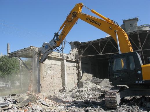 Виды техники, используемые для демонтажа зданий